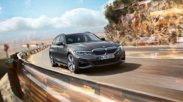 BMW 3er Touring von rechts vorne
